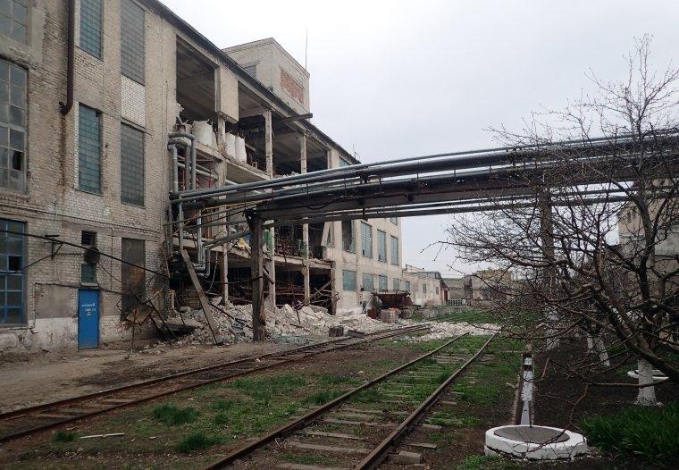 На Луганщине произошел взрыв на заводе: погибла женщина