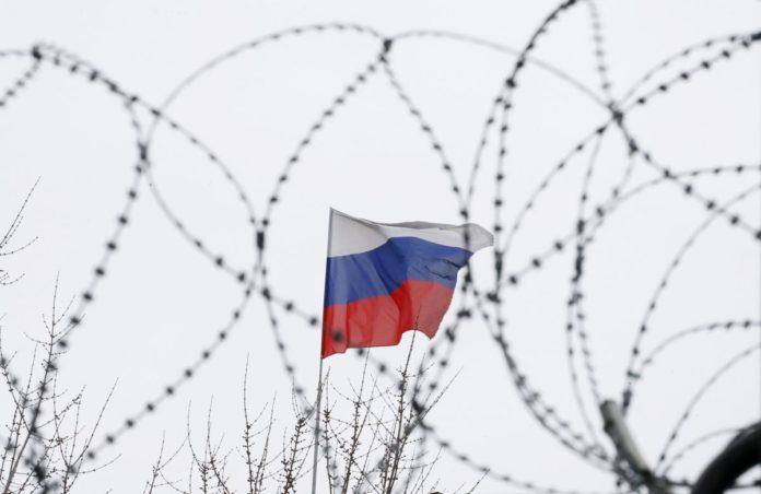"""&quotТак буде безпечніше"""": в Україні хочуть ускладнити виїзд громадян до РФ - today.ua"""