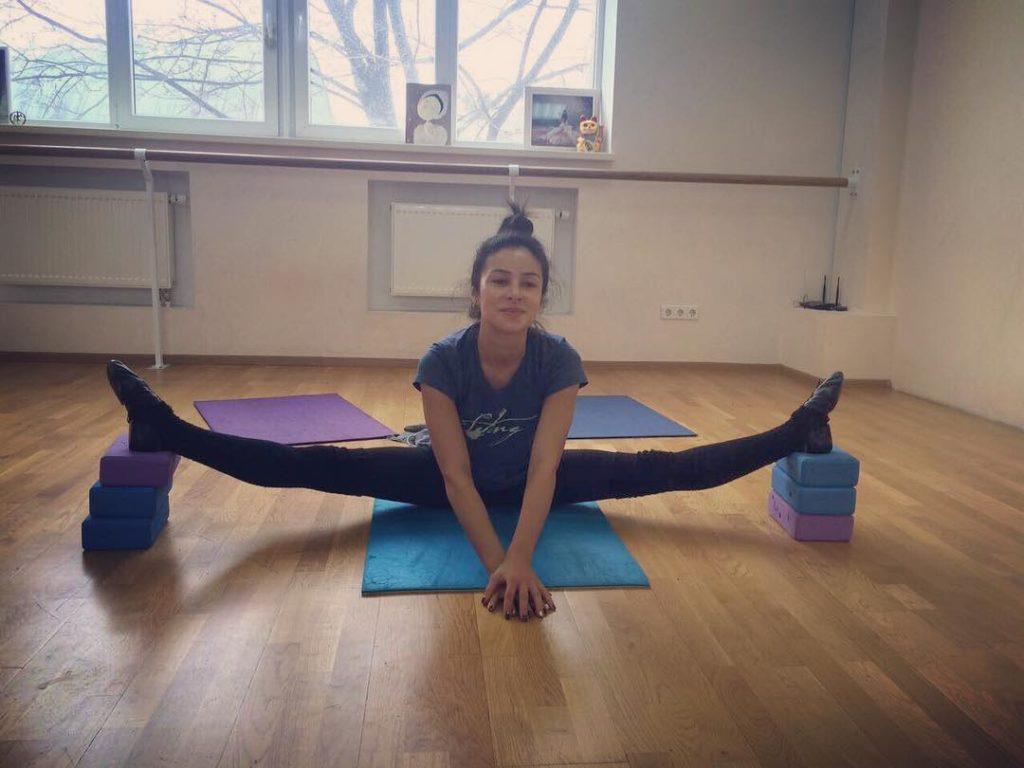 Злата Огневич показала ефективні вправи для ніг