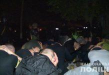 """Рейдерське захоплення заводу у Вінниці: """"тітушки"""" кидали каміння і димові шашки - today.ua"""