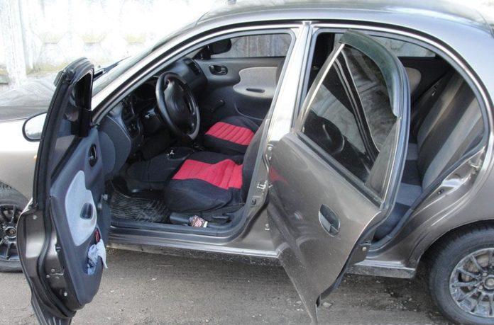 """У Полтаві двоє іноземців-&quotгастролерів"""" з ножем напали на таксиста - today.ua"""