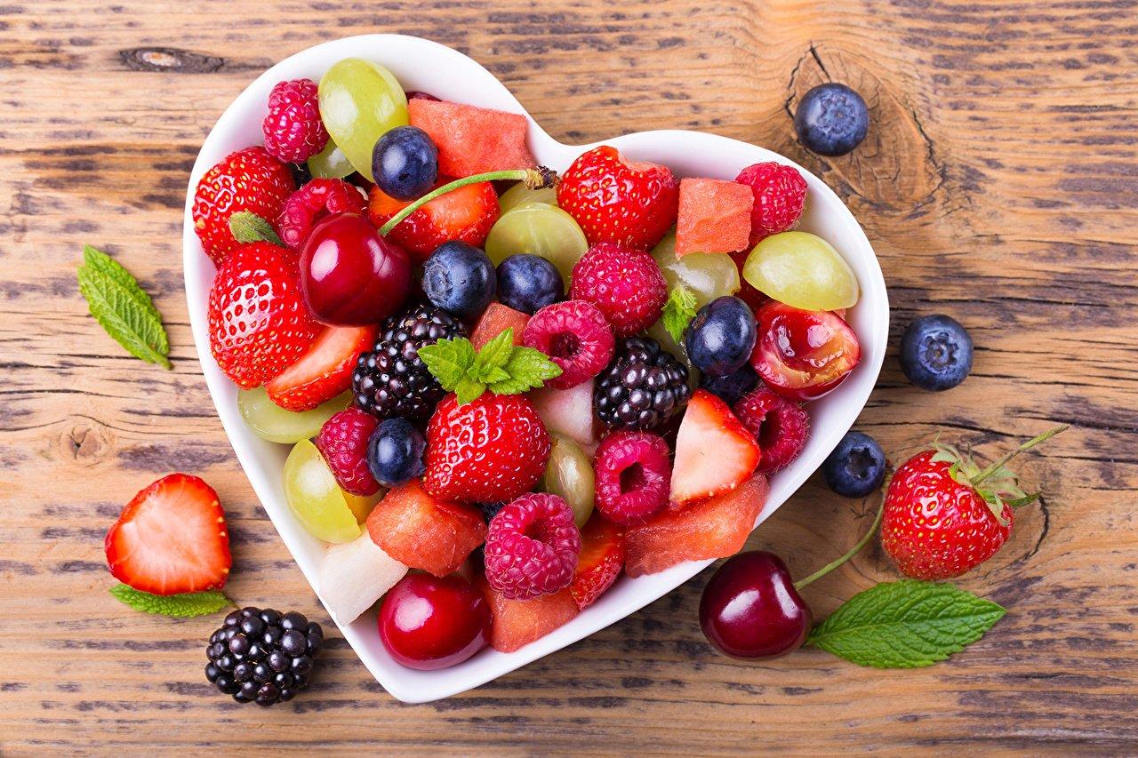 Ученые назвали самые полезные ягоды для похудения  - today.ua