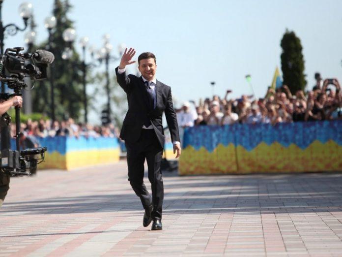 Зеленський прибрав охорону біля Адміністрації президента - today.ua