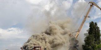 Рятувальники загасили пожежу на заводі Порошенка - today.ua