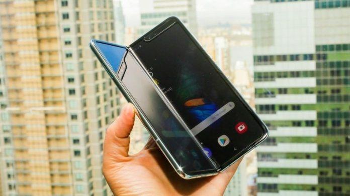Samsung удалось исправить недостатки гибкого смартфона Galaxy Fold - today.ua