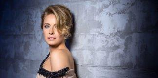 Олена Кравець вразила спокусливим образом у прозорій сукні - today.ua