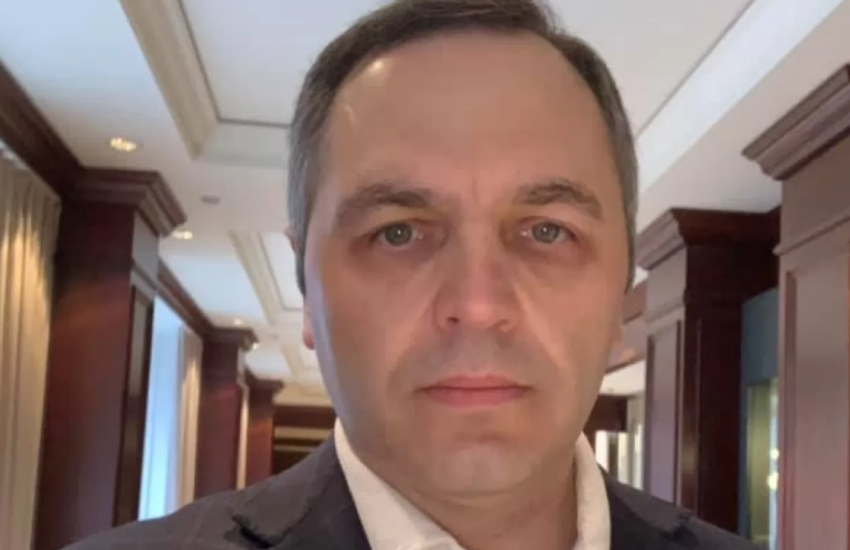 """""""Тому що дуже тупий"""": Портнов прокоментував чисельні позови Порошенка до суду - today.ua"""