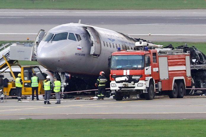 Трагедія в Шереметьєво: експерти розшифрували запис розмови членів екіпажу літака - today.ua