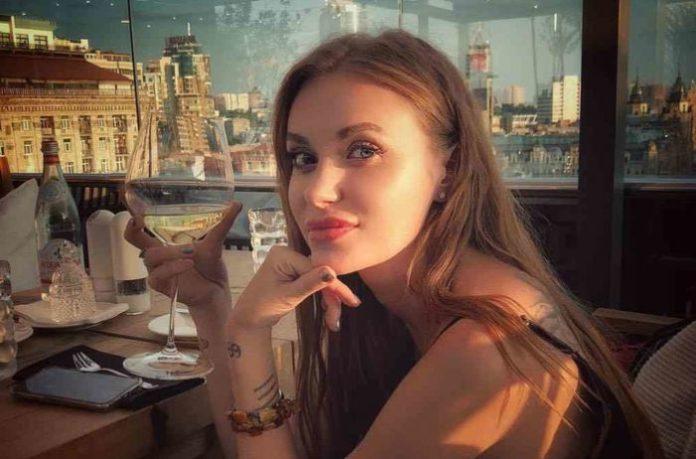 "Слава з &quotНеАнгелів"" шокувала пухкими губами - today.ua"