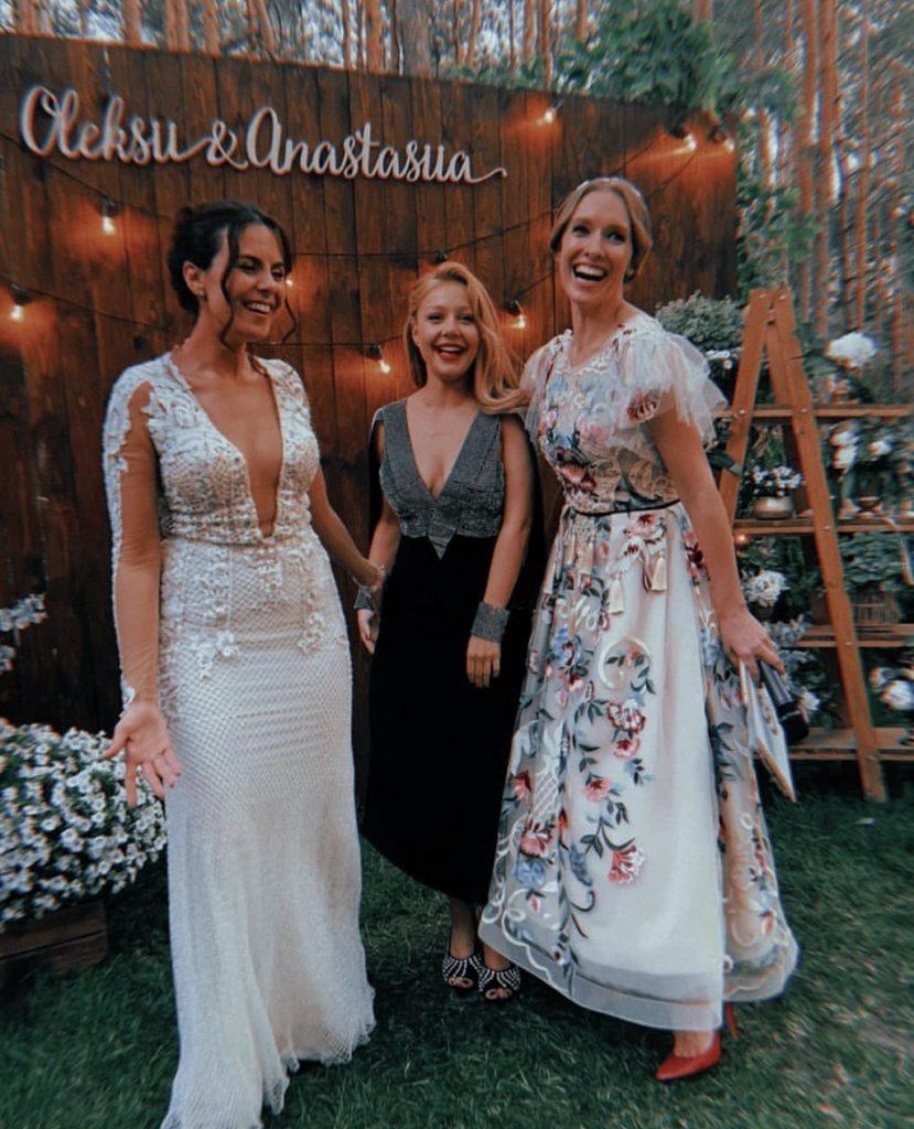 Тіна Кароль вразила зворушливим виступом на весіллі Потапа і Насті Каменських
