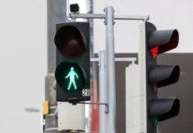 Світлофори навчили стежити за пішоходами - today.ua