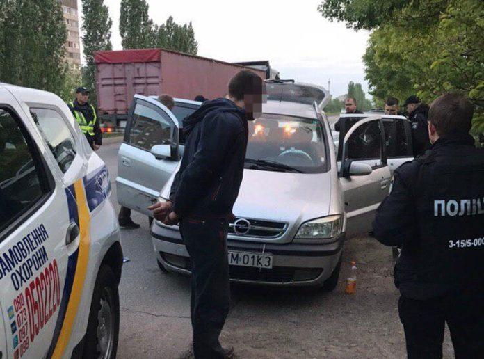 На Миколаївщині затримали рецидивістів, які викрадали термінали iBox з магазинів - today.ua