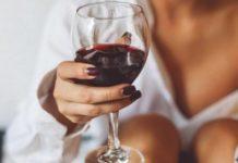 Дієтологи розповіли, як поєднати схуднення і алкоголь - today.ua