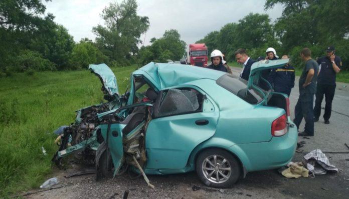 В ДТП на Хмельниччині загинули двоє дорослих і дитина - today.ua