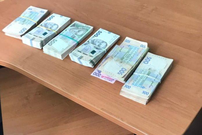 "Чиновников &quotУкрзализныци"" поймали на взятке - today.ua"