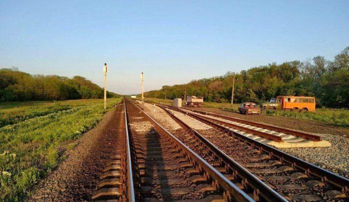 """&quotУкрзалізниця"""" будує залізничну колію на Донбасі в напрямку Маріуполя - today.ua"""