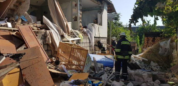 На Закарпатье в жилом доме прогремел взрыв: есть травмированные - today.ua