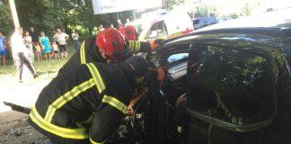 В Ужгороде водитель Porsche Cayenne столкнулась с Ford: есть пострадавшие - today.ua