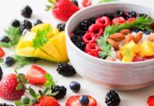 Миф о фруктах развенчан: диетолог раскрыла секрет похудения - today.ua