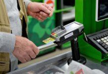 ПриватБанк рассказал, где украинцы чаще всего расплачиваются карточкой - today.ua