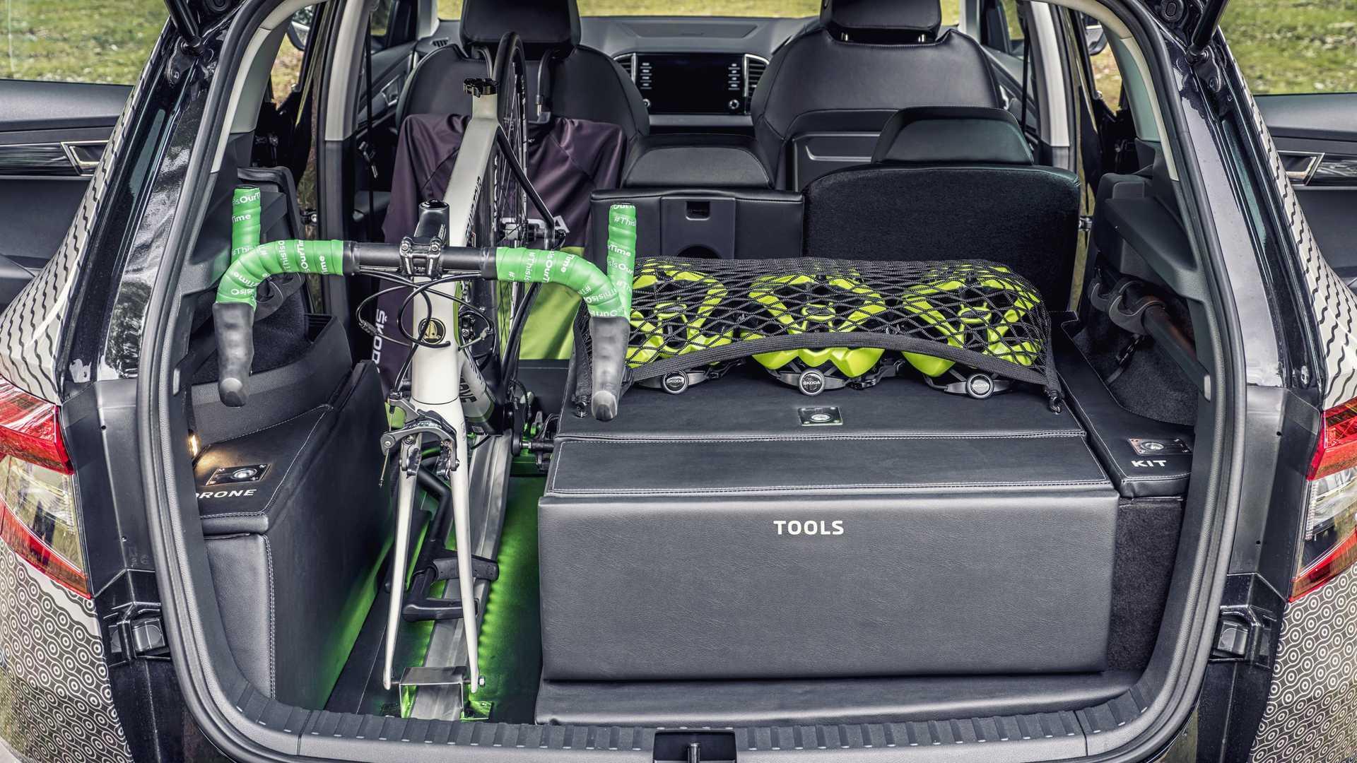Skoda випустила кросовер Karoq для велосипедистів