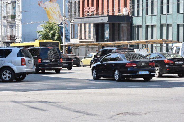 Кортеж Зеленського поповнився ще одним авто: з'явилося фото - today.ua
