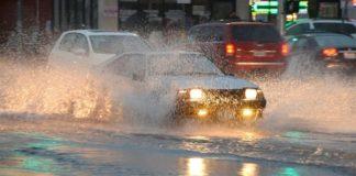 Что делать, если автомобиль заглох в воде - today.ua