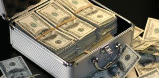 Клиенты вывели из ПриватБанка миллионы долларов - today.ua