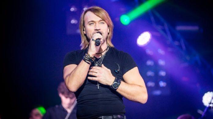 Олег Винник остановил выступление на концерте ради поклонницы - today.ua