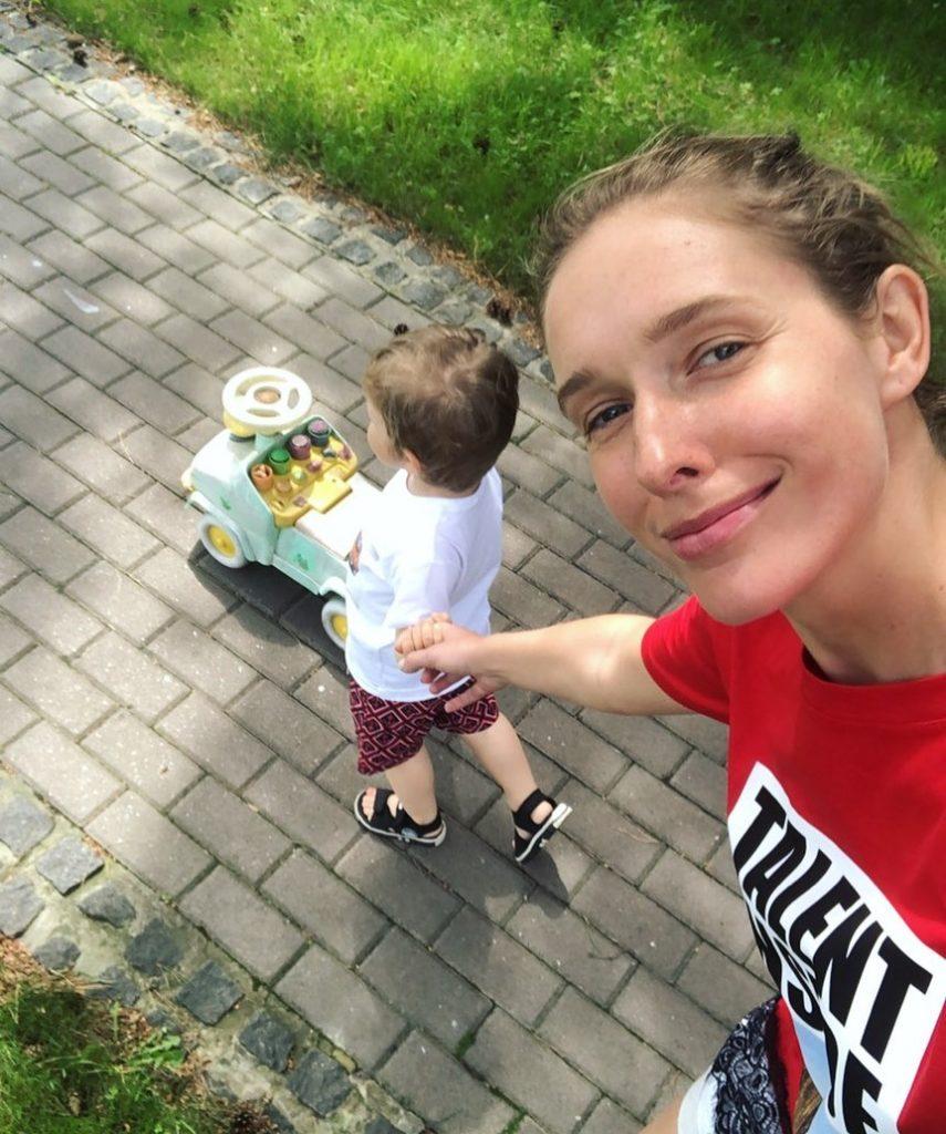 Катя Осадчая отреагировала на слухи о своей беременности