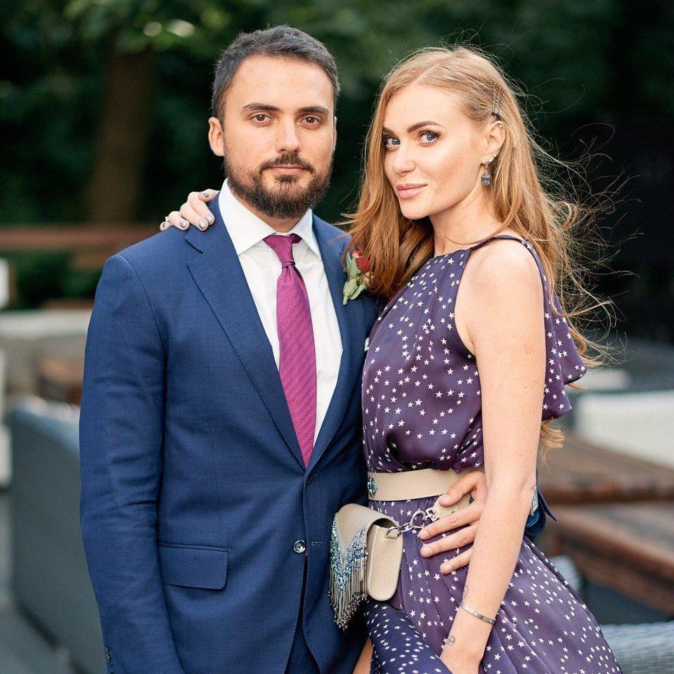 Чоловік Слави Камінської вперше прокоментував розлучення зі співачкою