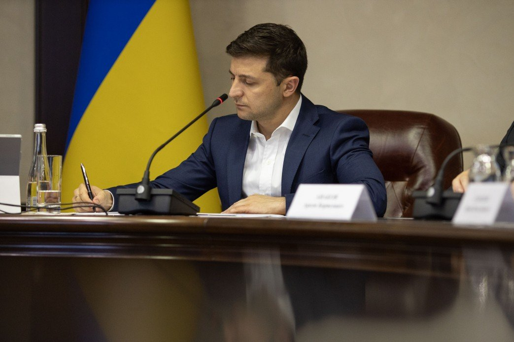 До 170 тисяч грн штрафу і до 8 років тюрми: Зеленський визначив покарання за недотримання карантину - today.ua