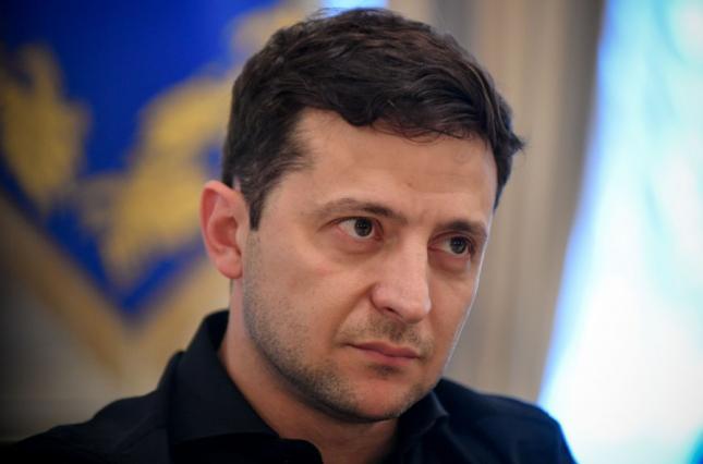Розпуск Ради: Зеленський обіцяє не тиснути на Конституційний суд