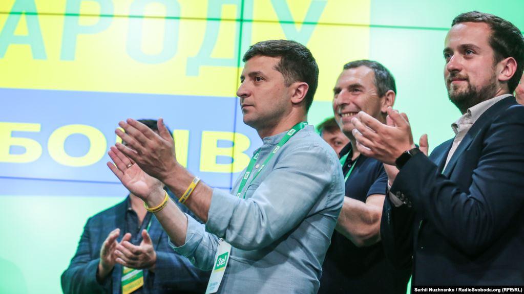 """""""Ми вважаємо це дуже демократичним"""": """"Слуга народу"""" пропонує опозиції очолити 2 з 22 комітетів Верховної Ради - today.ua"""