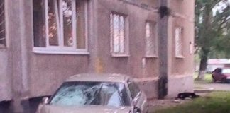 """""""Знесла намет """"Слуги народу"""" і врізалася в будинок"""": у Харкові відбулася страшна ДТП"""" - today.ua"""
