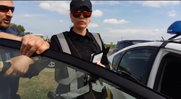 """Хороший бізнес: На трасі Київ – Одеса &quotрубають"""" з водіїв по 100 тисяч в день - today.ua"""
