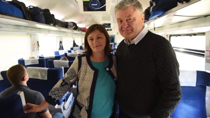 """Порошенко получил наставления от &quotпростой учительницы"""" в поезде &quotИнтерсити"""" - today.ua"""