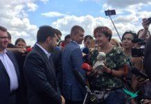 """""""Це жах! Приберіть!"""": Зеленський відмовився прийняти у подарунок бюст зі своїм зображенням - today.ua"""