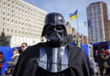 """Депутат Дарт Вейдер впервые показал лицо: как выглядит главный злодей """"Звездных воен"""" - today.ua"""