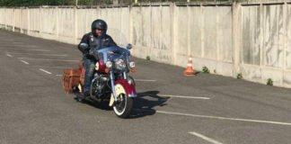 """""""Вам до нас не можна"""": Добкіна на мотоциклі не пустили в Росію - today.ua"""