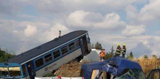 """Не встиг проскочити"": автобус з українськими заробітчанами збив потяг - today.ua"