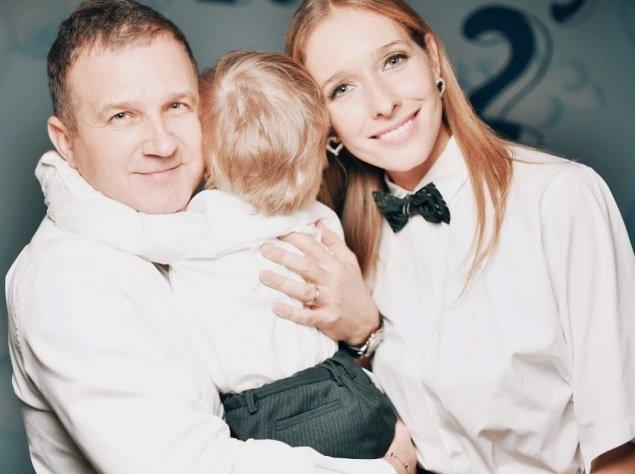 Катя Осадча посварилась з МАУ: була загроза летіти з дитиною стоячи - today.ua