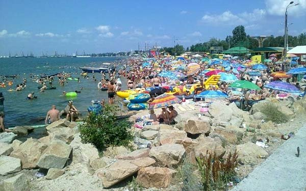 """&quotЦе повний треш і свинство"""": На популярному курорті на Азовському морі виявили самий поганий пляж - today.ua"""