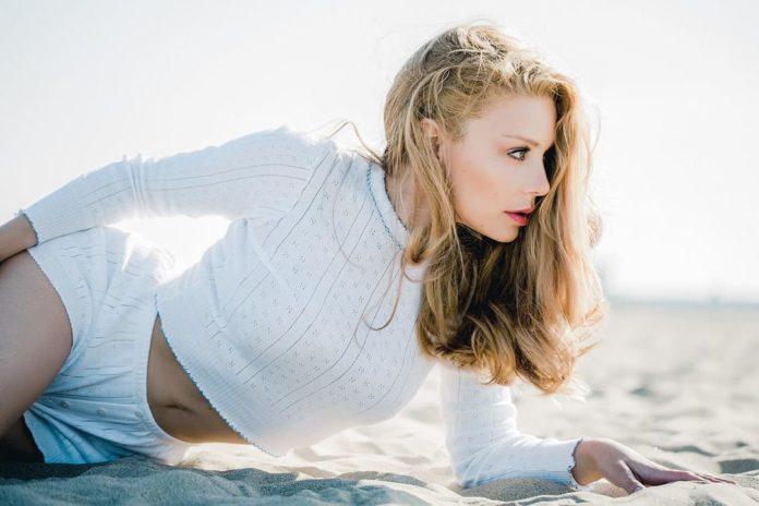 Соблазн на пляже: Тина Кароль взбудоражила новым образом - today.ua