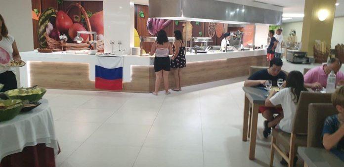 Триколор і російські військові пісні: в Іспанії готель потрапив у скандал через підтримку РФ - today.ua