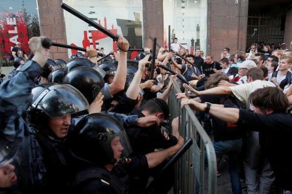 """""""Хоч зі шкури вилізьте,  ваш картковий будиночок посиплеться"""": український дипломат прогнозує крах режиму Путіна - today.ua"""