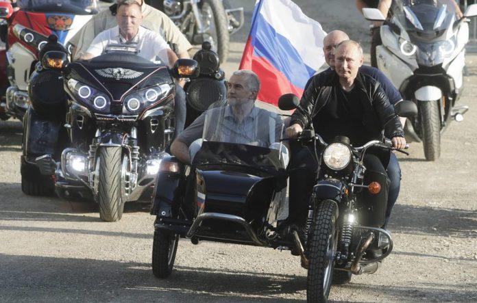 &quotПриїхав до Криму на мотоциклі&quot: в МЗС України відреагували на вихідку Путіна - today.ua