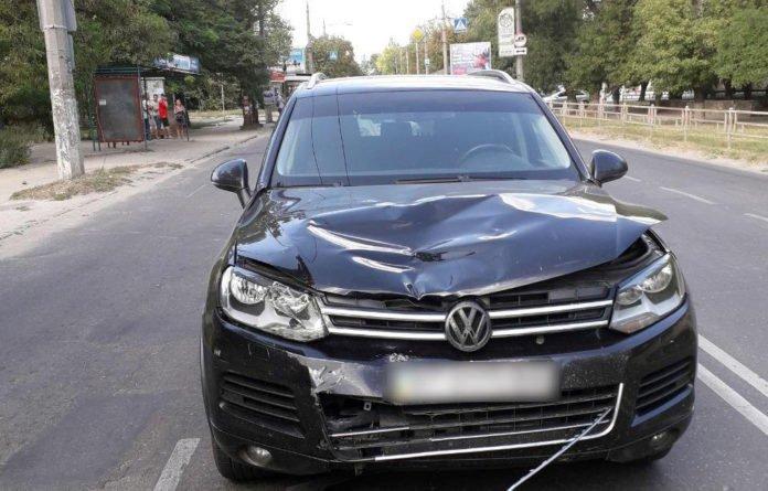 Дружина херсонського бізнесмена збила на зупинці двох дітей: подробиці скандальної ДТП - today.ua
