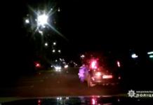 У Житомирі п'яний водій затиснув дверима руку поліцейського і проїхав з ним 35 метрів: опубліковано відео - today.ua