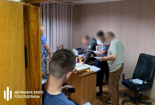 У Рівненській області начальника поліції затримали на хабарі у 39 тисяч